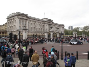 Obviously, we were not the first to arrive at Buckingham Palace.