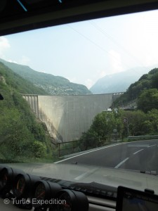 We saw the Verzasca Dam on the way up and knew it must be the one used in the James Bond film, Golden Eye.