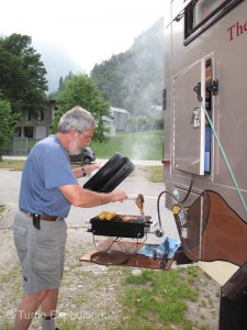 We continue to enjoy our little Weber Go-Anywhere BBQ. Weber's Flavorizer System distributes heat evenly across the cooking surface and virtually eliminates flame flare-ups caused by dripping grease.