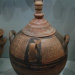 The wonderful details in carafes, oil lamps and household water basins were impressive.