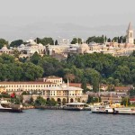 The spacious 7,534,983-sft. Topkapı Palace can only be seen in its entirety from the Bosporus. Photo by Carlos Delgado