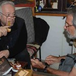 Mr Besim Aktaş was happy to give Gary some advice on what to look for in the perfect smoking pipe.