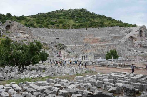 The Grand Theater is the largest in Anatolia and has 25,000 seats. It was not only used for concerts and plays, but also for religious, political and philosophical discussions and for gladiator and animal fights.