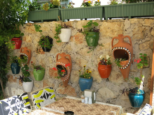 Next to the Kaş harbor, Smiley's outdoor sitting area was pleasantly decorated.