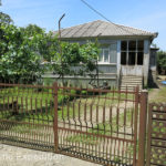 This house was rather typical for the area and like many, the iron fences were often built out of old metal landing strips just like the ones we use as sand ladders.