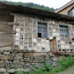 Walking around the village of Uzungöl we saw some interesting old homes.