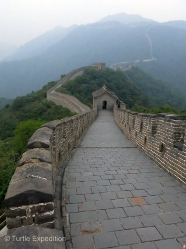 The Great Wall of China is 31,070 miles (50,000 km) long.