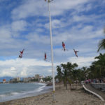 Voladores de Papantla (Flyers of Papantla) on the Malecón performed day and night.