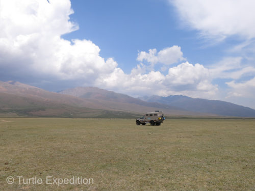 The high grasslands of Kyrgyzstan near Lake Song-Köl gave us unlimited perfect campsites.