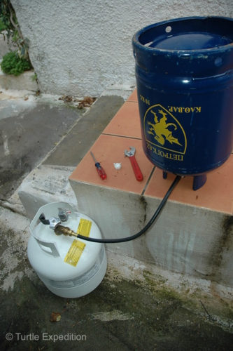 Filling our propane tank from a local exchange tank in Greece was about a five minute job.